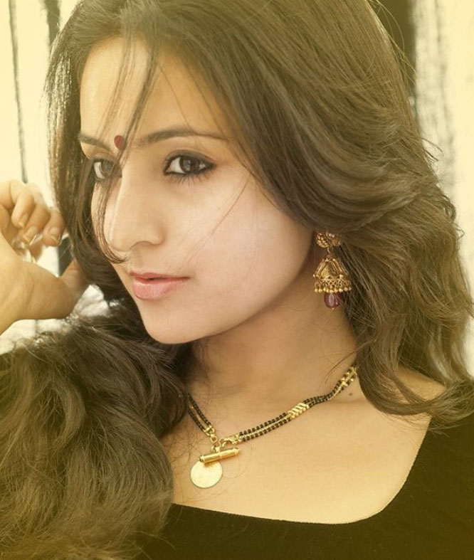 bhama-latest-photoshoot_137836650100
