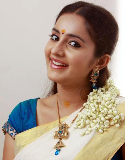bhama-latest-photoshoot_137836650150