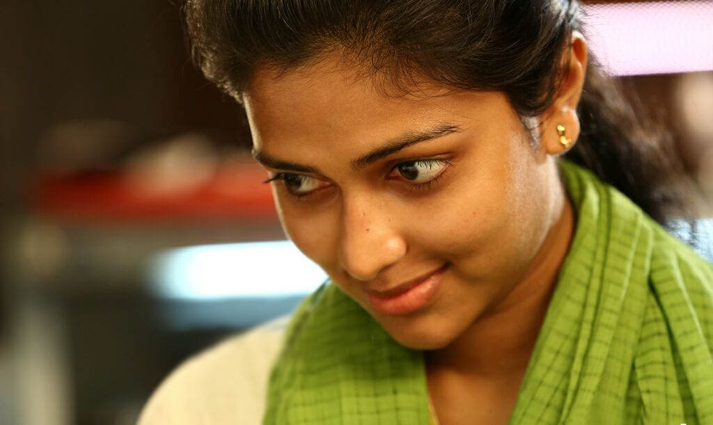 Amala-Paul-Photos-Without-Makeup-In-Mili-Movie