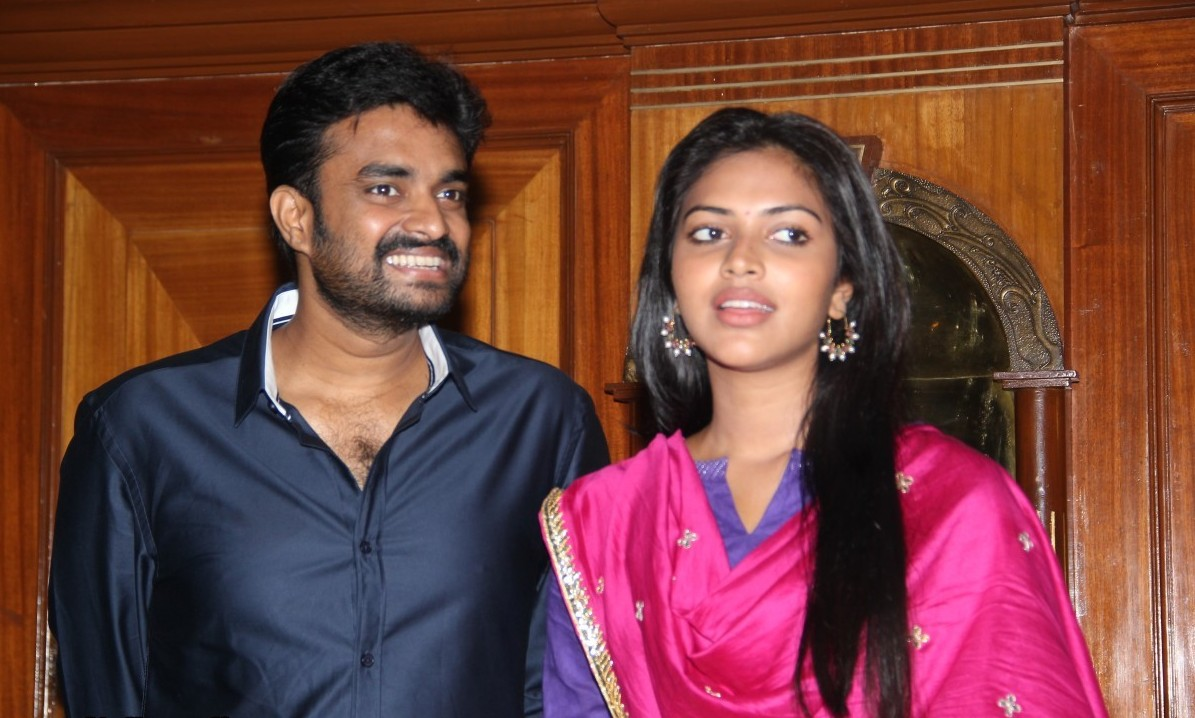 director-vijay-and-actress-amala-paul-press-meet-stills-5