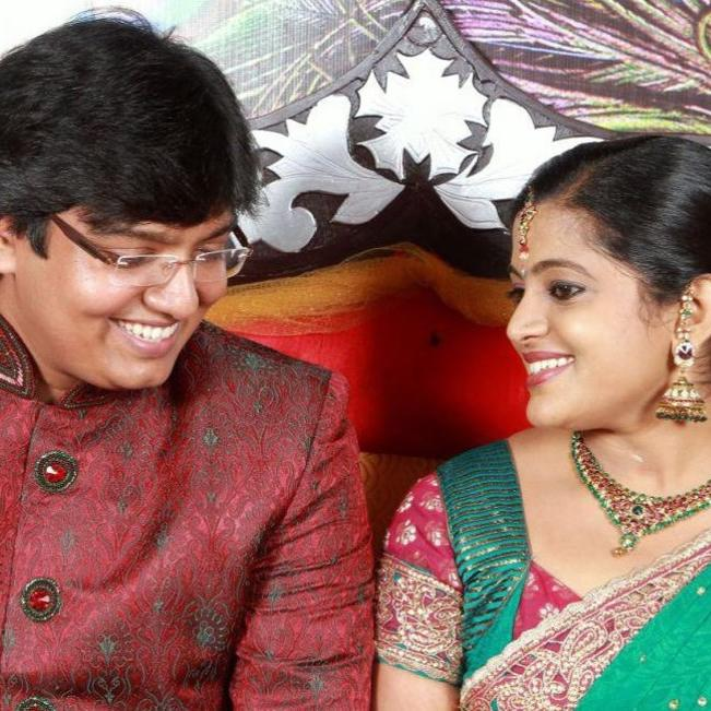 Veena Nair Fvellimonga Actress With Husband